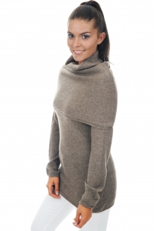 femme pull-col-roule yness