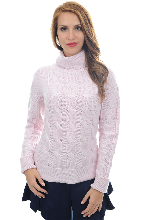 femme pull col roule blanche rose pale s