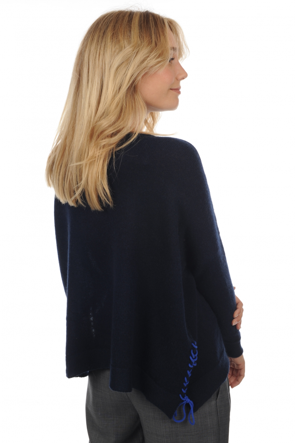 cachemire pull femme col rond hannah marine fonce bleu lapis strings t2